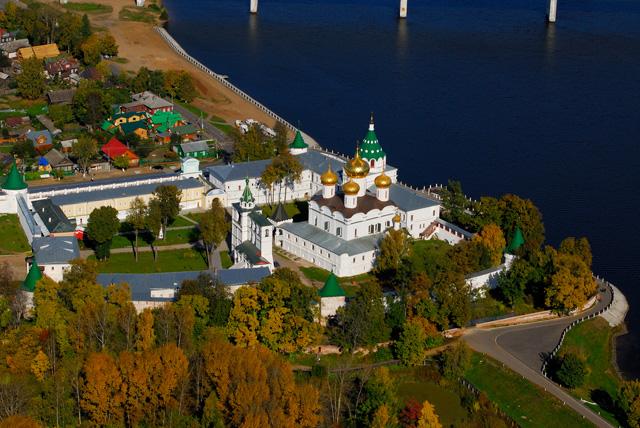 Ипатьевский монастырь с высоты