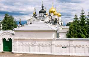 монастыри, церкви, часовни, храмы