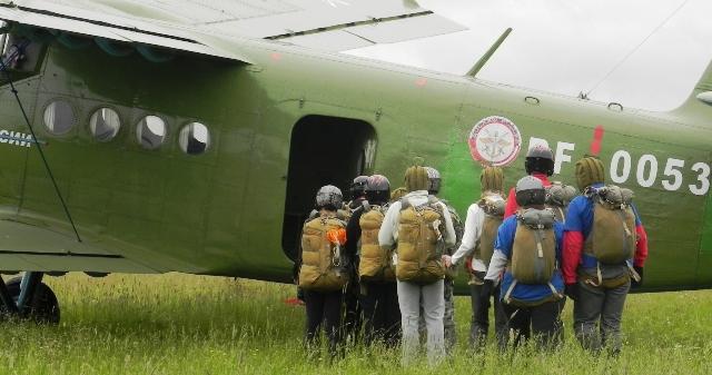 прыжки с парашютом в Костроме, экстремальные виды туризма в Костроме, активный отдых Кострома