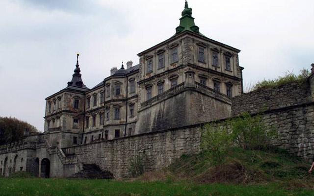 podgoreckij-zamok-misticheskie-mesta