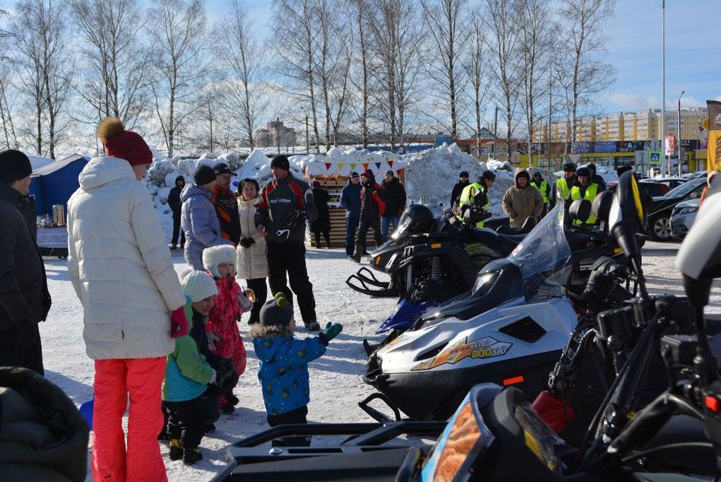 В Костроме состоялся 1-й фестиваль снегоходной техники