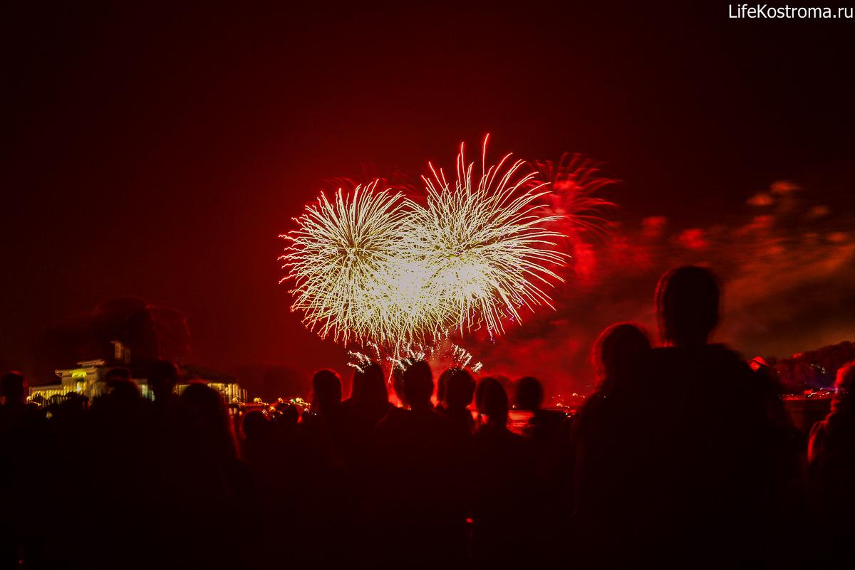 Фестиваль фейерверков состоится 12 августа в Костроме: http://lifekostroma.ru/turizm/krasochnoe-shou-festival-fejerverkov-sostoitsya-12-avgusta-v-kostrome.html