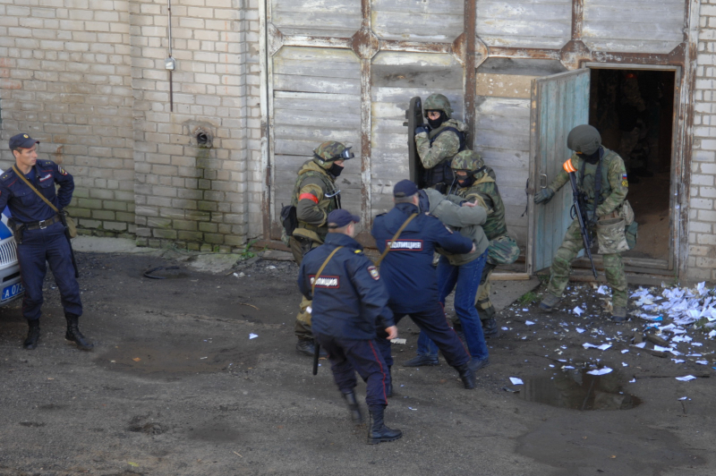 В Костроме были обезврежены вымышленные террористы, фото-5